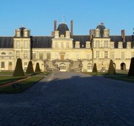 La villa reale di Fontainebleau... un bel po' di massi probabilmente sono finiti lì...