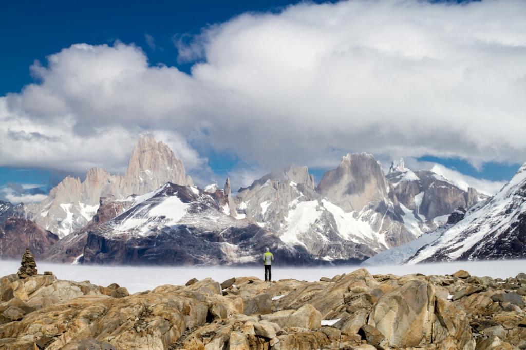 Panoramica sul Fitz Roy, Cerro Piergiorgio e Cerro Torre dal Passo Marconi  (foto di Pascal Foquet)