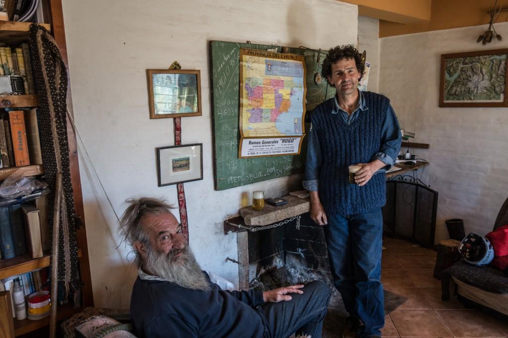 Sebastian e Ciulengo, due dei pochi esperti di quella valle, grazie al loro auto è stato possibile organizzare i cavalli e altre cose per andare in direzione della parete.