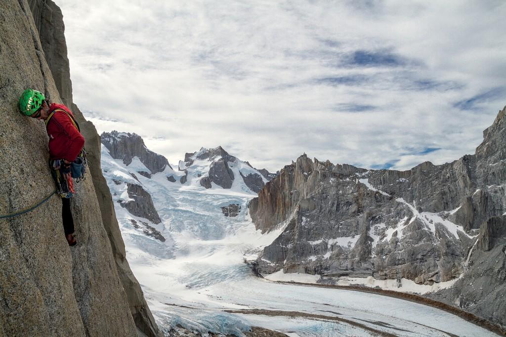 Luca-Gianola-climbs-El-Mocho-Ph.-Pascal-Fouquet