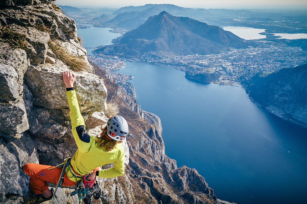 Maurizio_Tasca_climbs_Forcellino_wall_-_Ph._Ragni_di_Lecco
