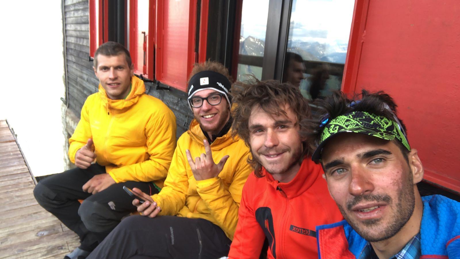 Da sinistra: Davide Visconti, Paolo Belloni, Maurizio Tasca e Luca Moroni al rifugio Boccalatte (Ph. Maurizio Tasca – Archivio Ragni della Grignetta)