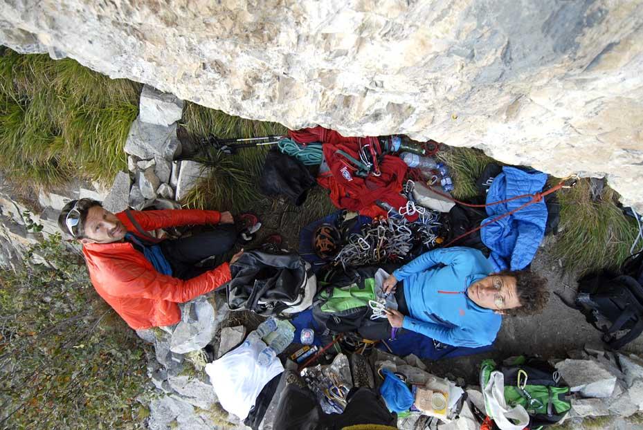 Da sinistra: Luca Passini e Matteo Piccardi alla base della Via del Det (Ph Riky Felderer)