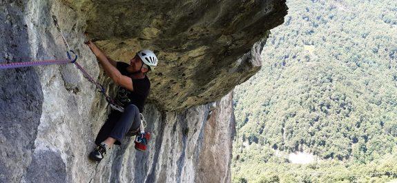 In arrampicata al Sasso di Cusino - Foto Maurizio Orsi